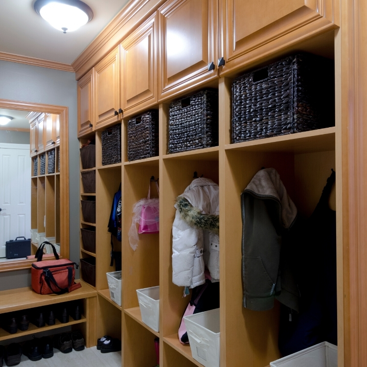 mudroom traditional, mudroom cubbies, mudroom, sheridan interiors, interior designer cornwall, interior designer ottawa, mudroom massena, interior designer massena, interior designer malone