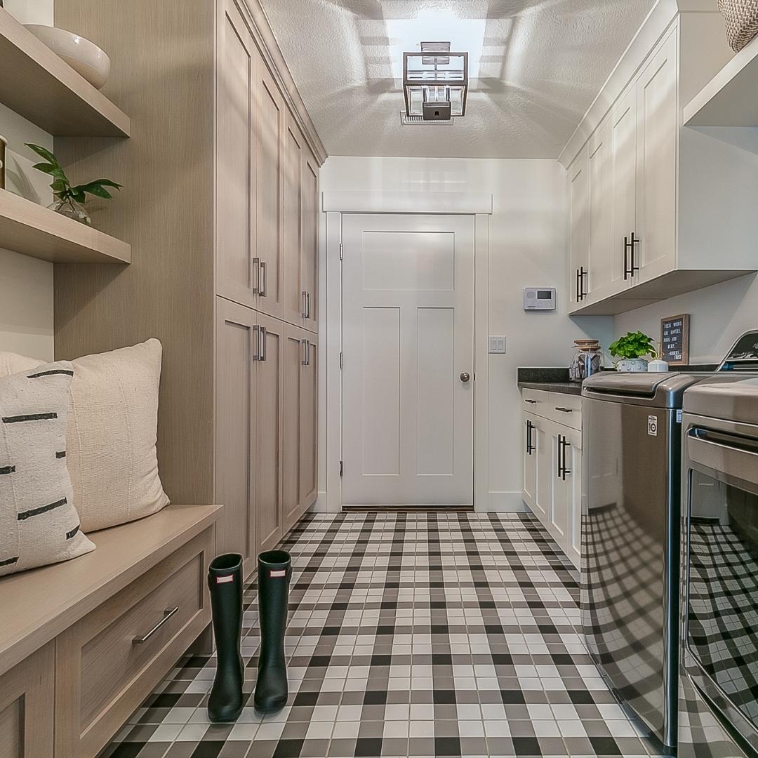 mudroom, laundry room, plaid tile floor, bench and cubbies, sheridan interiors, interior designer cornwall, interior designer ottawa,